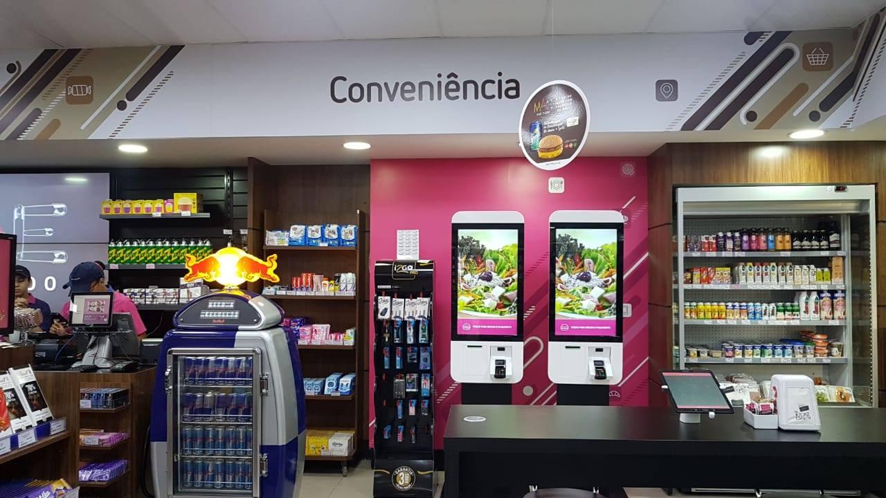 Totem de autoatendimento para lojas de conveniência